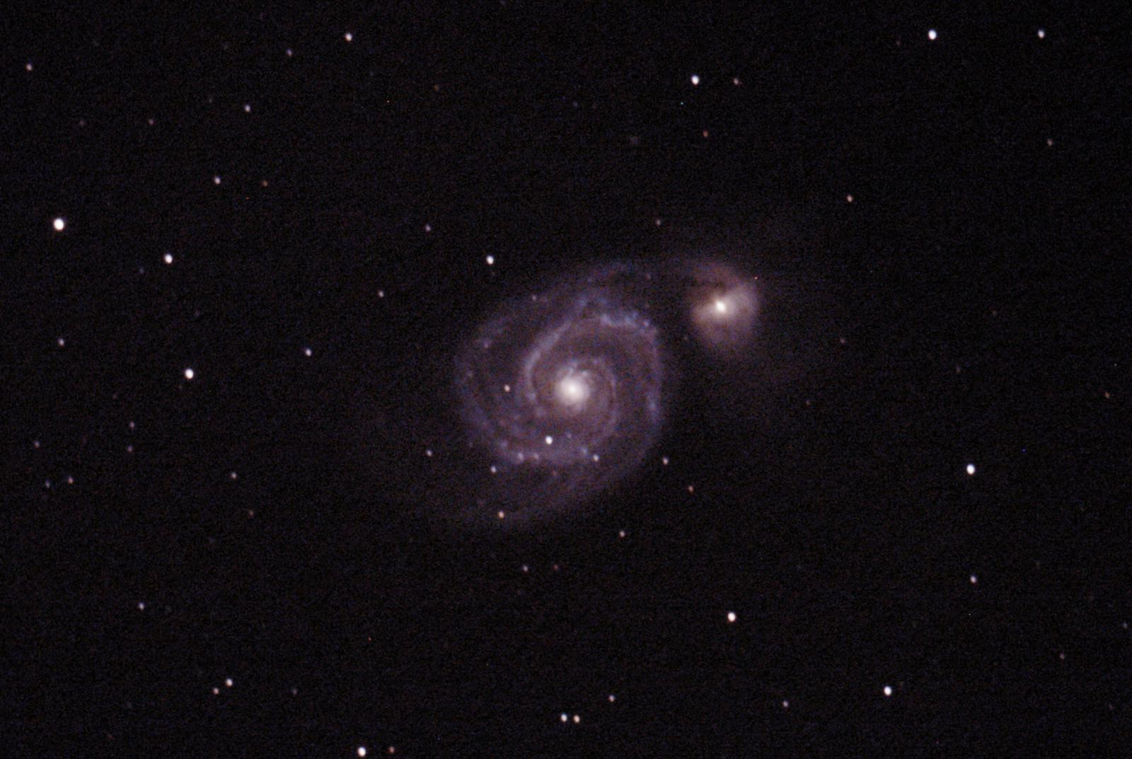 M51 : Galaxie du Tourbillon - à Saint-Martin (32) - 29 juillet 2017 - Skywatcher 200/1000 + Canon 1000D défiltré - 3 photo 180sec ISO1600 + 3 photos 120 sec ISO800 Ouverture 5 (donnée par le téléscope) + (3 Darks 120sec ISO800) + (2 offsets 1/4000 ISO 800)
